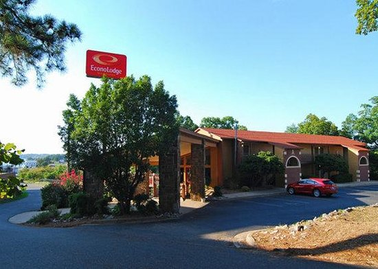 Photo of Econo Lodge Inn & Suites Hot Springs