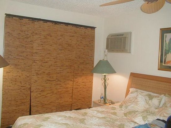 Wai Ola Vacation Paradise:                   main bedroom unit