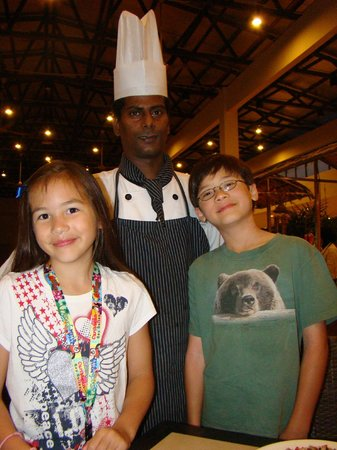 Bukit Gambang Resort City: The head chef who made delicious things for us!