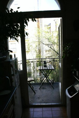 Astoria City Hostel:                   balcony (accessible from kitchen)