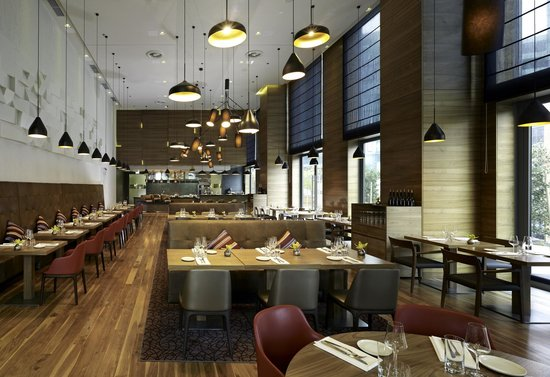 Good food friendly staff nice interior review of oxbo for Food bar zagreb