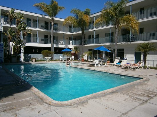 Days Inn & Suites Santa Barbara:                   The pool is never busy