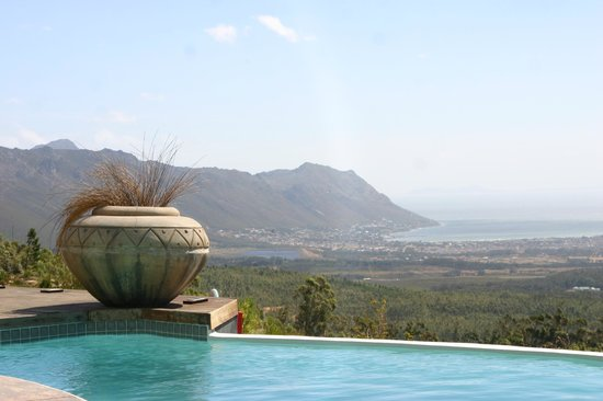 Bezweni Lodge: Blick vom Pool