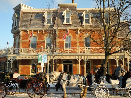 Prince of Wales:                   There are horse-drawn carriages in front of this beautiful building