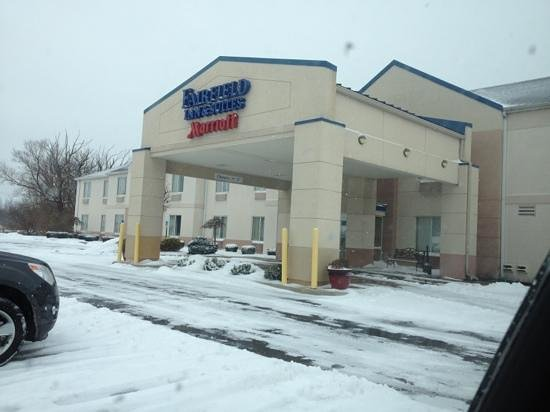 Fairfield Inn Sandusky: outside hotel