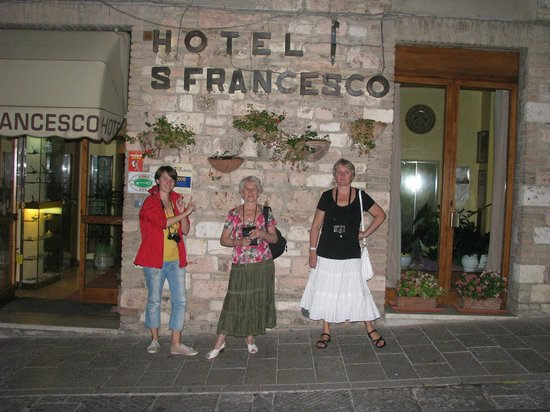 San Francesco: Outside the hotel