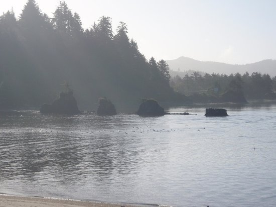 Siletz Bay Lodge:                                     Southward view of Siletz Bay from our second floor room.