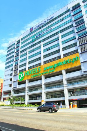 Go Hotels Cybergate Plaza