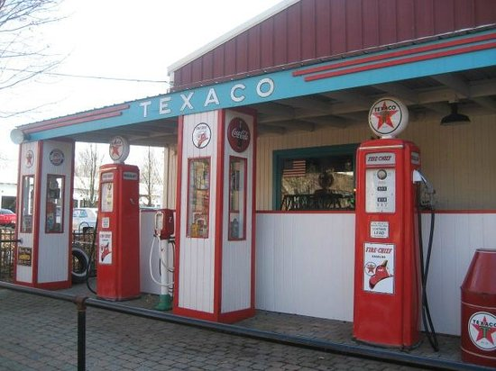 Volo, IL: Old Texaco station