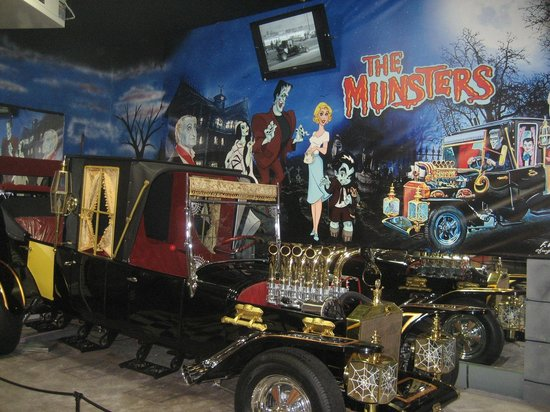 Volo, IL: Munsters Car