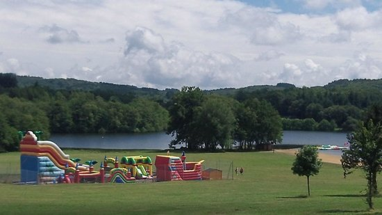 Bussiere-Poitevine, :                   Fun areas for kids to play nearby