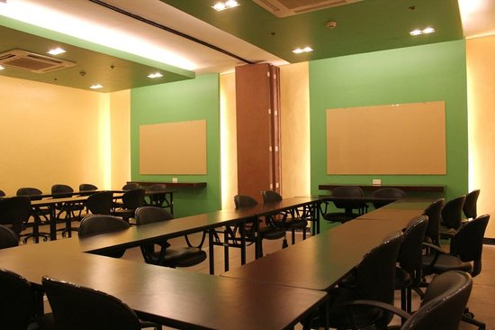 Go Hotels Tacloban Conference Room (50 pax)
