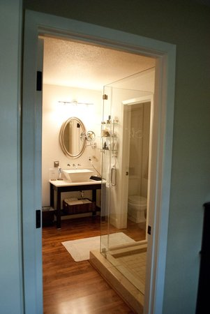 Milliken Creek Inn and Spa:                   The luxuriously appointed bathroom