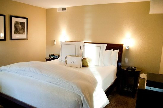 Milliken Creek Inn and Spa:                   Ridiculously comfortable bed