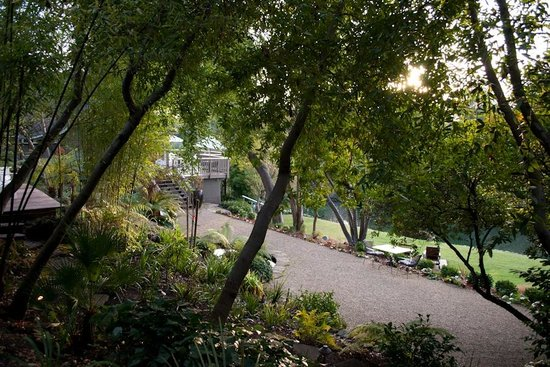 Milliken Creek Inn and Spa:                   The well-kept grounds