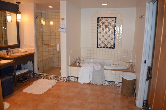 Ojai Valley Inn and Spa:                   Huge Bath Room