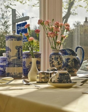 Westbourne Guest House : Lovely China of Westboure Guest House 