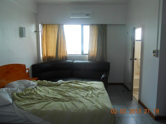 Nadi Downtown Hotel: room