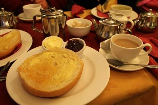lunn s is open for sally lunn s museum bath sally lunn batter bread ...
