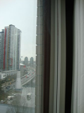 ‪‪YWCA Hotel Vancouver‬: Daytime view - Rogers arena bottom left of pic‬
