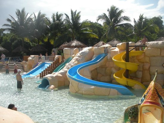 Aqua park photo de sandos caracol eco experience resort for Aqua piscine otterburn park