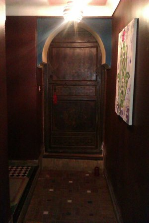 Riad Ajebel:                   Back entrance hallway.