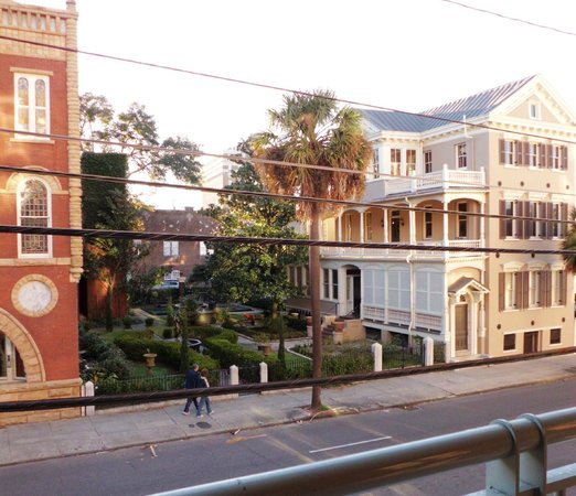Courtyard by Marriott Charleston Historic District: View from room