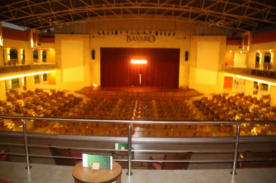 Barcelo Bavaro Beach:                   le theatre