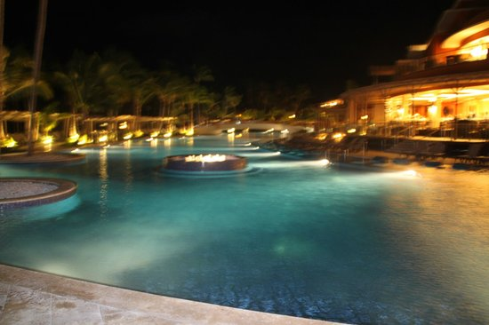Barcelo Bavaro Beach:                   piscine