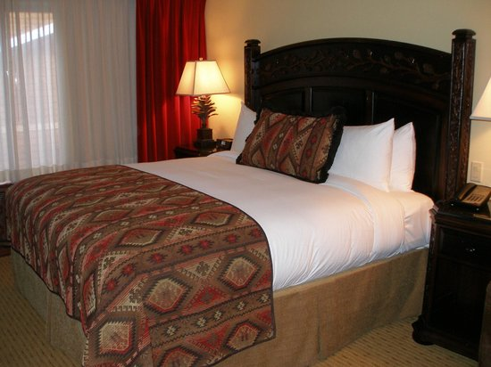The Lodge at Jackson Hole: king bed