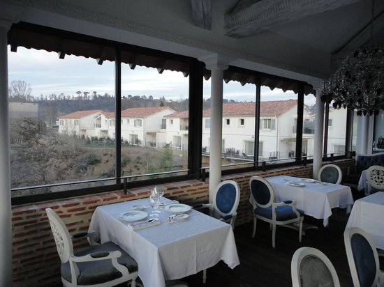 Hotel Le Moulin De Madame: Roof Restaurant