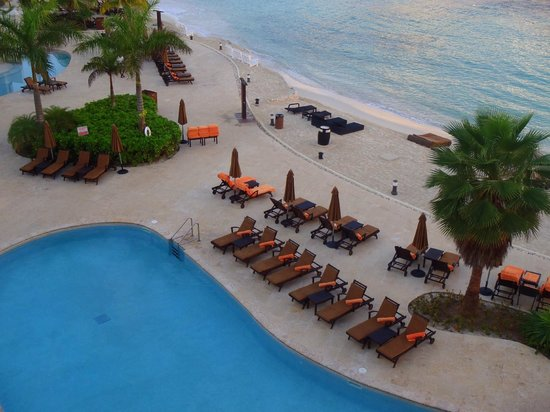Secrets Wild Orchid Montego Bay: Preferred club pool (looking down from my room 1420)