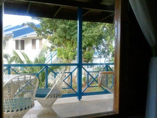 Negril Tree House Resort:                   room balcony with swing