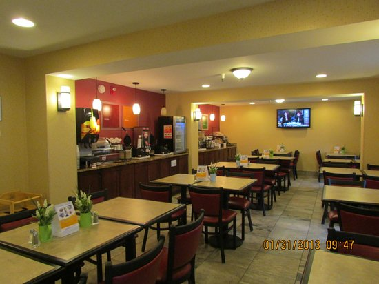 Comfort Inn Airport:                   breakfast room