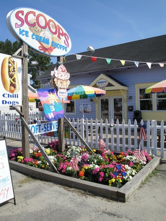Onancock, VA: SCOOPS Ice-cream and sandwich shop