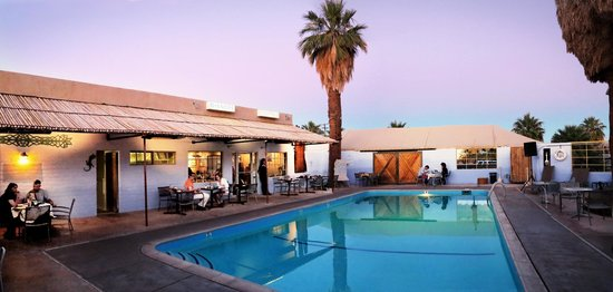 29 Palms Inn: The Pool