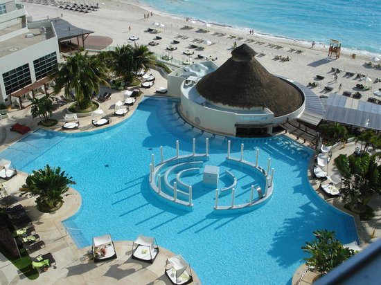 ME Cancun:                                     view ofnthe pool/beach from rm 625