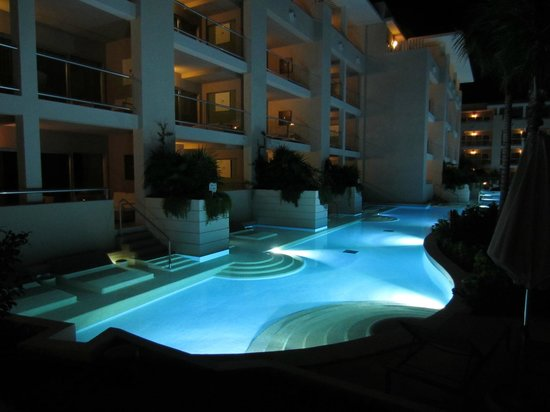 Paradisus Playa Del Carmen La Esmeralda:                   Night view onto the swim up suites
