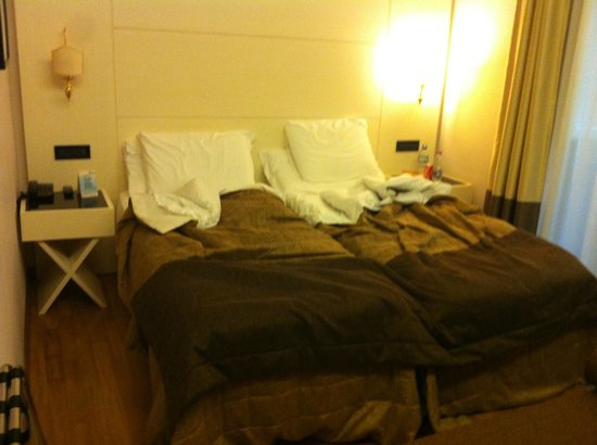 Hotel Oxford:                   Twin beds