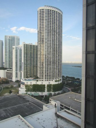 Hilton Miami Downtown: Room window view