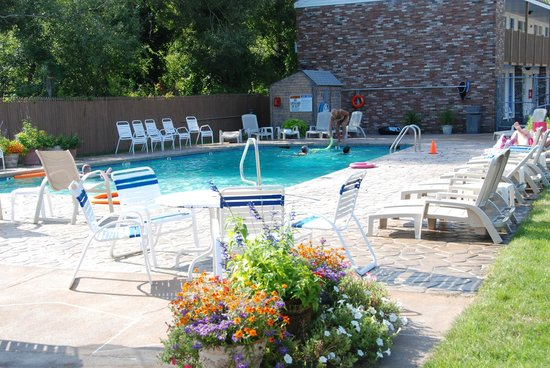 Cape Colony Inn: Enjoy our Heated Pool