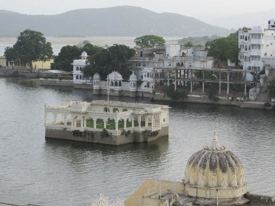 Devi Vilas Guest House:                   the view from the roof top