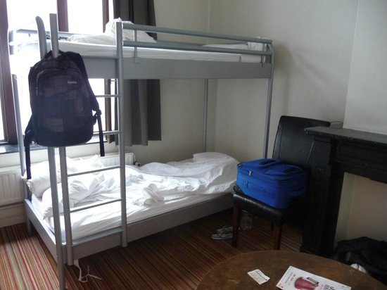 2Go4 Hostel:                   bedroom
