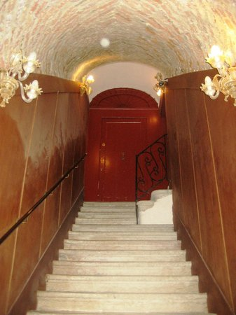 Hotel Al Ponte Mocenigo: Staircase to Rimpeto Mocenigo annexe