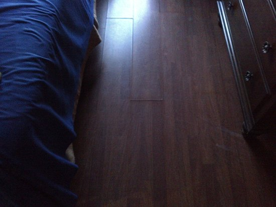South Beach Plaza Villas:                   Floor in room