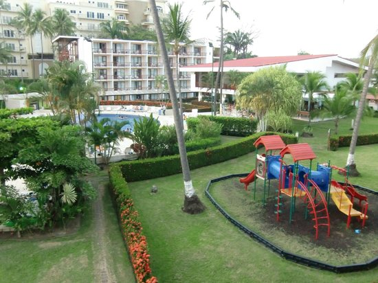 BEST WESTERN Jaco Beach All Inclusive Resort:                   Gartenanlage mit Kinderspielplatz