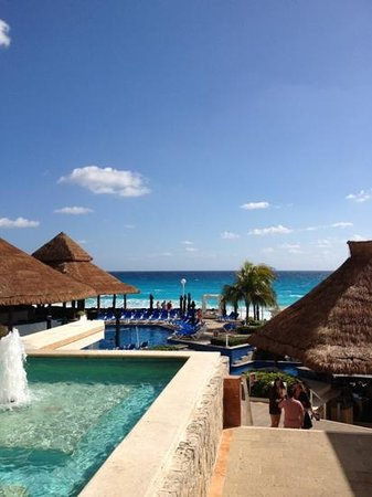 Royal Solaris Cancun:                   great poolside area that's made for relaxing