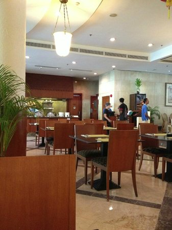 Holiday Inn Resort Batam:                   The Terrace Cafe.
