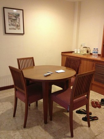 Holiday Inn Resort Batam:                   The dining area.