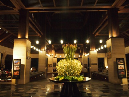 Conrad Bali:                   The lobby